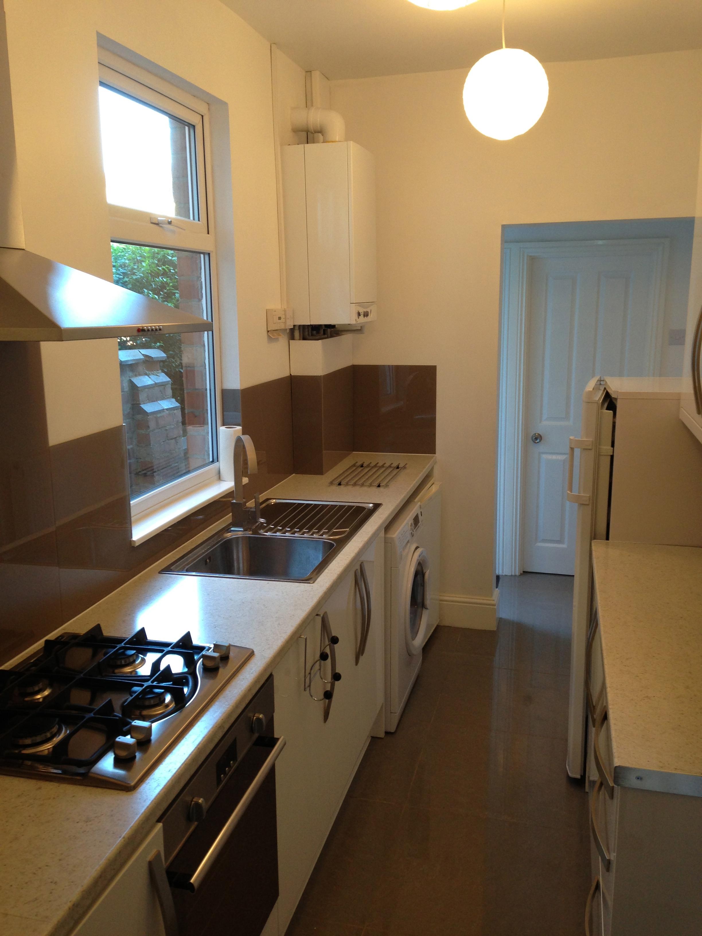 Designer Kitchen - Let House